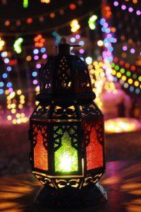خلفيات فانوس رمضان2017 3 300x450 200x300 صور فانوس رمضان رمزيات فوانيس خشب معدن