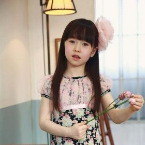 صور اطفال 3 300x300 خلفيات ورمزيات وصور اطفال صغار جميلة جدا