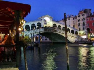 صور عن ايطاليا 2 450x338 300x225 صور عن دولة ايطاليا وخلفيات ورمزيات من ايطاليا