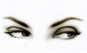 صور عين سمراء 2 450x278 300x185 صور رمزيات للبنات اجمل العيون السوداء للموبايل