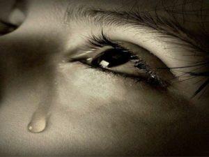 صور عيون دموع 3 450x338 300x225 صور دموع عيون تبكي ورمزيات عيون حزينة للواتساب