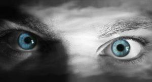 عيون زرقاء 4 450x245 300x163 صور رمزيات عيون باللون الازرق وخلفيات وصور عيون زرقاء