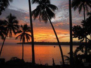 غروب 1 450x338 300x225 صور لغروب الشمس على الشواطئ والمياه والبحار