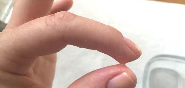Photo of طريقة إزالة السوبر جلو من اليد