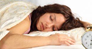 ما أسباب التعرق وقت النوم