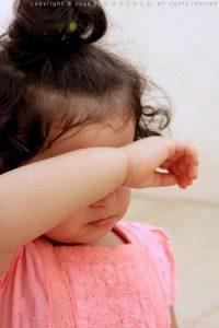 اطفال-مواليد-بالصور-3-300x450-200x300 صور وخلفيات اجمل الاطفال , رمزيات لاحلى الاطفال