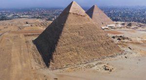 الملك-خفرنع-300x165 صور عجائب الدنيا السبع , اهرامات الجيزة احد عجائب الدنيا السبعة جميلة جدا اهرامات مصر