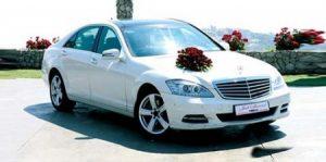 -سيارات-الزفاف-اشكال-تزيين-سيارات-العريس-في-الفرح-1-450x223-300x149 صور تزيين السيارات , تشكيلة سيارات مغطاه بالزينة