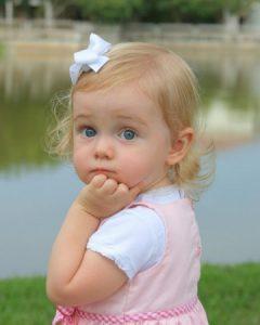 خلفيات-اطفال-حلوين-1-360x450-240x300 صور وخلفيات اجمل الاطفال , رمزيات لاحلى الاطفال