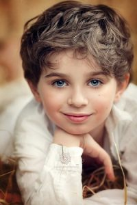 خلفيات-اطفال-حلوين-3-300x450-1-200x300 صور وخلفيات اجمل الاطفال , رمزيات لاحلى الاطفال