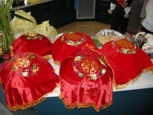 صور-هدايا-اجمل-هدية-للزواج-والخطوبة-للرجال-والنساء-4-450x338-300x225 صور هدية زواج مناسبة , رمزيات هدايا رائعة جديدة