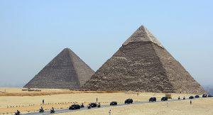 1016321920-300x162 صور عجائب الدنيا السبع , اهرامات الجيزة احد عجائب الدنيا السبعة جميلة جدا اهرامات مصر