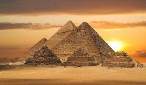 2015_1418658821_410-300x174 صور عجائب الدنيا السبع , اهرامات الجيزة احد عجائب الدنيا السبعة جميلة جدا اهرامات مصر