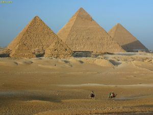 2015_1418658823_685-300x225 صور عجائب الدنيا السبع , اهرامات الجيزة احد عجائب الدنيا السبعة جميلة جدا اهرامات مصر