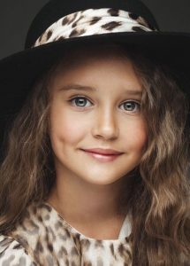 6fff64003342beb7eb9013dbfe3315f2-child-models-beautiful-children-215x300 صور أجمل غمازات وخدود بنات روعة, خد وغمز اطفال جميلة جدا جديدة