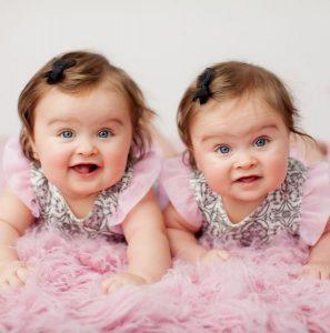 88fb21b5fd44ad9af2fa38dd62594c38-twin-babies-pictures-twin-baby-girls-297x300 صور اطفال ملائكه, صغار صور اطفال توائم, Babes photo