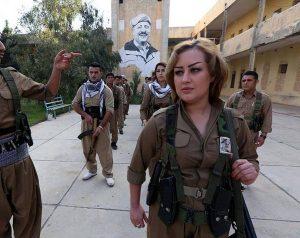 CeVBf0KW4AAVTYh-300x238 صور بنات بالزي العسكري, بنات مقاتلات, اجمل الفتيات في الزي العسكري