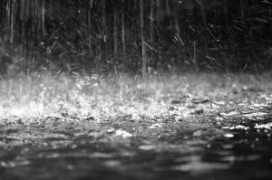 Raining-300x199 صور شتاء ومطر جديدة, الشتاء حزين الحب رومانسي بارد, صور سقوط امطار ,اغلفة مطر