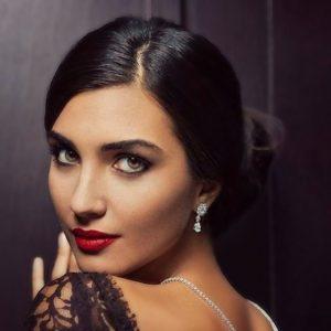 The-most-beautiful-Turkish-actress-Tuba-Buyukustun-300x300 صور لميس جميلة, طلات لميس الممثله التركيه