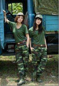 beautiful-female-vietnamese-peoples-army-vietnamese-girls-3_thumb-205x300 صور بنات بالزي العسكري, بنات مقاتلات, اجمل الفتيات في الزي العسكري