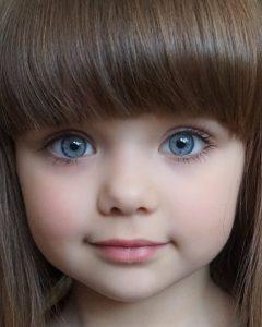 d60895ec670d2705d544c1b4df19ca4f-240x300 صور أجمل أطفال, اجمل اطفال المشاهير, اجمل اطفال العالم العربي, اجمل اطفال العالم بالصور