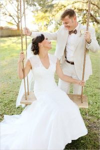 ee24520a07564be05dfbc75e58cf0a8f-photo-booth-props-photo-booths-200x300 اجمل صور زفاف عروسة وعريس رومانسية جديدة روعة, عريس وعروسة ببدلة الفرح حلوة