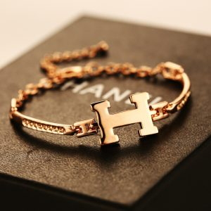 fashion-gold-bracelets-for-women-simple-letters-H-love-brand-bangles-300x300 صور حرف A مع H , صور a و H رومانسية حب