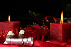 flower-rose-heart-candle-roses-red-rose-romance-candles-300x200 صور ورود وشموع رومانسية للعشاق, photos flowers and candles romantic