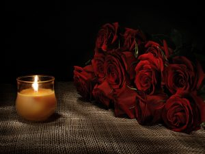 flowers-red-roses-candles-light-photography-candle-romantic-dark-rose-love-flowers-nature-beauty-bouquet-beautiful-lovely-romance-life-pretty-image-300x225 صور ورود وشموع رومانسية للعشاق, photos flowers and candles romantic