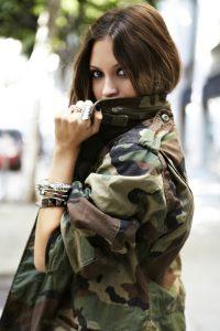 large-7-200x300 صور بنات بالزي العسكري, بنات مقاتلات, اجمل الفتيات في الزي العسكري