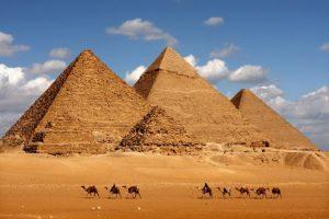 pyramids-of-giza_408476-300x200 صور عجائب الدنيا السبع , اهرامات الجيزة احد عجائب الدنيا السبعة جميلة جدا اهرامات مصر