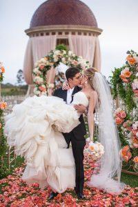 romantic_wedding_ideas-200x300 اجمل صور زفاف عروسة وعريس رومانسية جديدة روعة, عريس وعروسة ببدلة الفرح حلوة