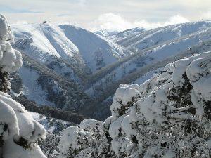 رمزيات-وخلفيات-عن-الشتاء-4-300x225 صور معبره عن الشتاء , خليفات جميلة تعبر عن فصل الشتاء