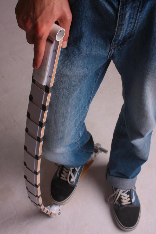 إسكوتر بإمكانة التحول لحزام 1 إسكوتر مبتكر بإمكانه التحول للحزام