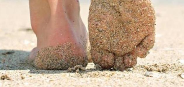Photo of فوائد المشي على الرمل