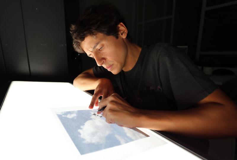 drawing on top of clouds by martc أغرب اللوحات الرسم على السحاب