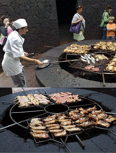 volcanorestaurant مطعم يشوي طعامه على بركان نشط